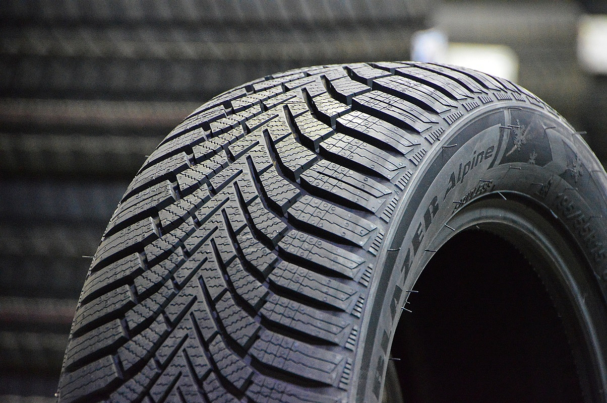 175/65 R15 Sailun Ice Blazer Alpine+ 84T